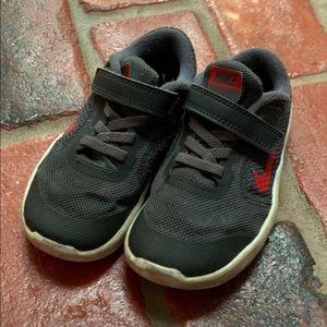 Nike Size 9 (little kid)
